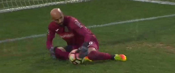 Sinan Bolat estreia-se e garante triunfo em duas defesas – FC Arouca 2-1 Vitória FC