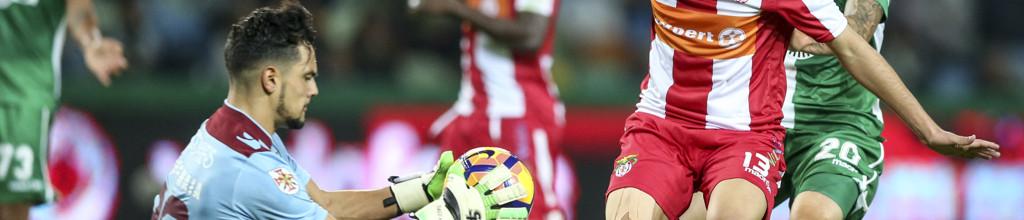 Tiago Maia esteve sem sofrer durante 300 minutos pelo SC Praiense