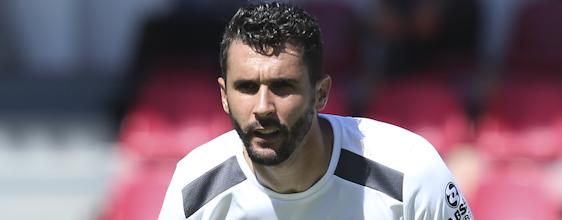 Ivo Gonçalves rescindiu com o FC Penafiel e assinou pelo Académico de Viseu para jogar play-off