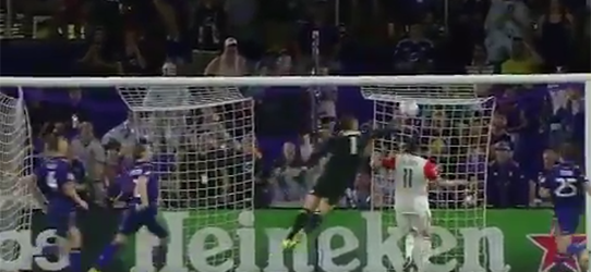 Joe Bendik faz defesa que mostra que impossível é sofrer golo – Orlando City FC 2-0 DC United