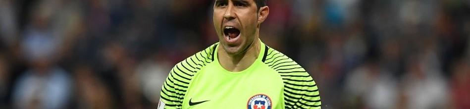 Claudio Bravo foi o primeiro guarda-redes a defender todos os penaltis numa decisão FIFA