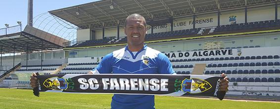Hugo Marques assina pelo SC Farense