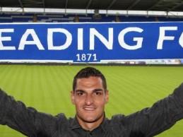 Vito Mannone assina pelo Reading FC