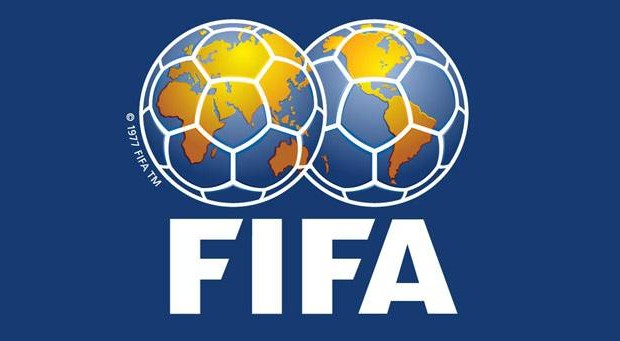 """FIFA anuncia prémio para melhor guarda-redes """"com orgulho"""""""