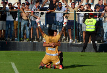 Paulo Vítor dos Anjos marcou de baliza a baliza mas deixou alento para José Costa, guarda-redes batido