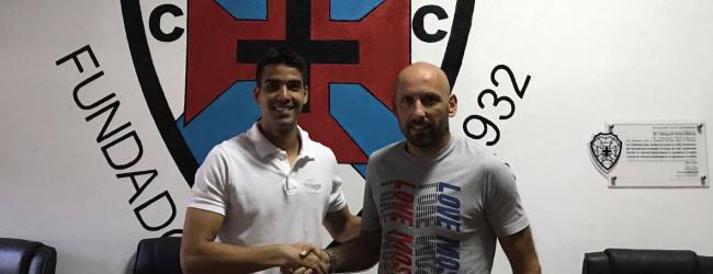 Raphael Mello assina pelo FC Cesarense