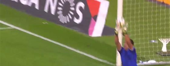 Douglas Jesus vale três pontos em duas defesas – Vitória SC 1-0 Boavista FC
