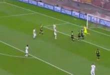 Rui Patrício: interceção aérea termina em golo no Olympiacos 2-3 Sporting CP