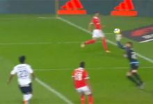Caio Secco erra várias vezes mas impede goleada em exibição fortuita – SL Benfica 1-0 CD Feirense
