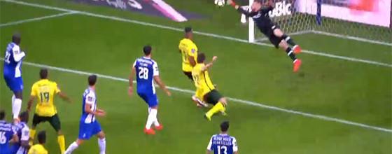 José Sá escorrega em golo sofrido e evita outro – FC Porto 6-1 FC Paços de Ferreira