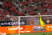 Mile Svilar salta em duas defesas vistosas – SL Benfica 1-0 CD Feirense
