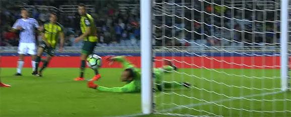 Pau López aplica-se em duas defesas – Real Sociedade 1-1 RCD Espanyol