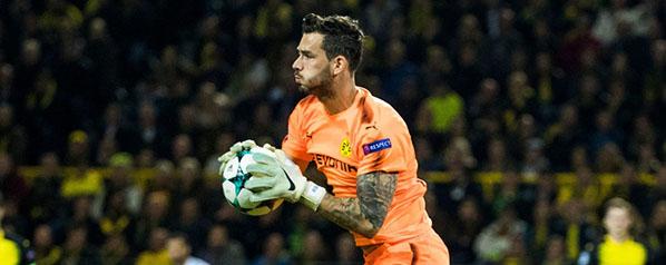 Roman Bürki renova pelo Borussia Dortmund