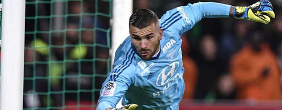 Anthony Lopes não sofre golos pelo Lyon há sete jogos consecutivos
