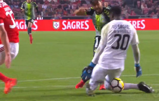 Bruno Varela fecha a baliza em vários momentos – SL Benfica 2-0 Vitória FC