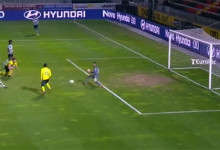 Mário Felgueiras evita golo ao encurtar baliza a Bas Dost – FC Paços de Ferreira 1-2 Sporting CP