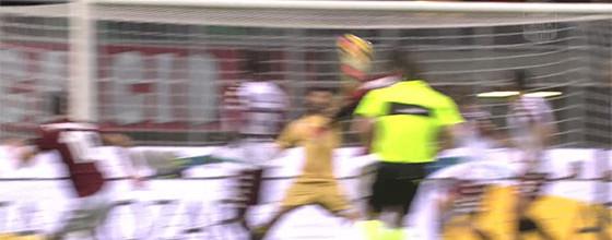 Salvatore Sirigu impõe empate em seis defesas no AC Milan 0-0 Torino FC
