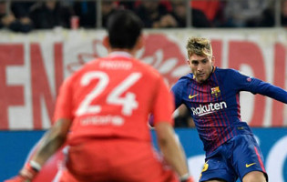 Silvio Proto tranca a baliza em oito intervenções – Olympiacos 0-0 FC Barcelona