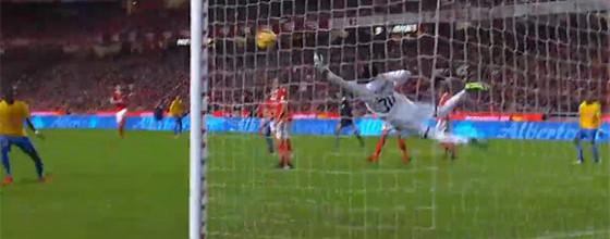Bruno Varela torna-se protagonista decisivo após erro sem maior – SL Benfica 3-1 Estoril