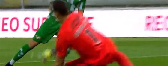 Douglas Jesus erra em golo e depois evita três golos – Moreirense FC 2-1 Vitória SC