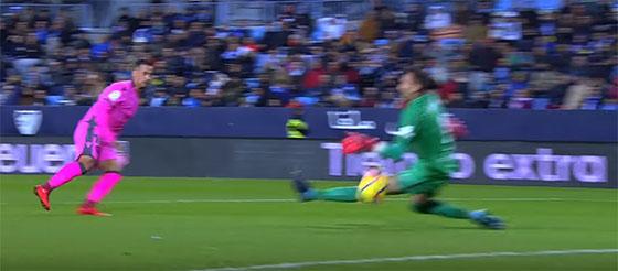 Roberto Jiménez: o duelo com Cristiano Ronaldo e a defesa determinante pelo Málaga CF