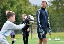 Jussi Jääskeläinen retira-se das balizas aos 42 anos