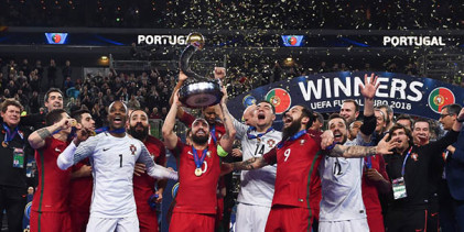 """André Sousa diz que defesa decisiva foi de """"todos nós"""" e agradece a Vítor Hugo e Bebé Vaz na vitória no Europeu"""