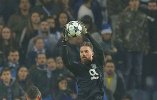 José Sá não falhou um passe contra o Moreirense FC