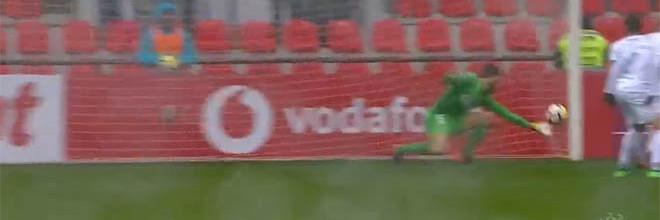 André Moreira aplica-se em defesa de velocidade de reação – GD Chaves 1-1 CF Os Belenenses
