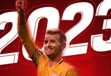 Lukas Hradecky assina pelo Bayer Leverkusen