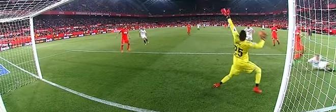 Miguel Ángel Moyá em duas defesas espetaculares – Sevilla FC 1-0 Real Sociedad