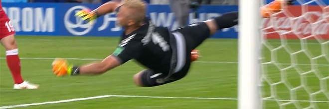 Kasper Schmeichel destaca-se em seis defesas que valem recorde – Dinamarca 1-0 Peru