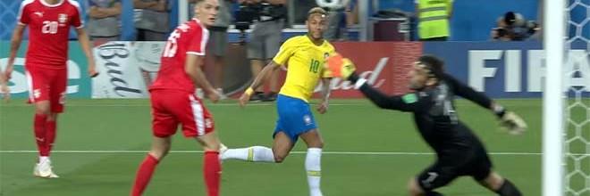Vladimir Stojkovic em defesa vistosa antes de precipitação – Brasil 2-0 Sérvia