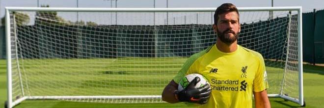 Alisson Becker torna-se o guarda-redes mais caro de sempre após transferência de 62,5€ milhões