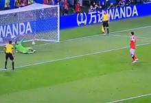 Danijel Subasic joga lesionado, defende e é decisivo novamente nos penaltis para as meias da Croácia no Mundial'2018