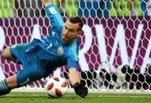 Igor Akinfeev defende penalti na decisão mas Rússia é eliminada do Mundial'2018