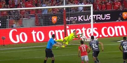 Douglas Jesus abre época com penalti defendido e mais oito defesas – SL Benfica 3-2 Vitória SC