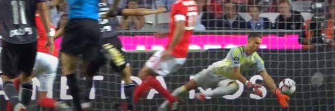 Odisseas Vlachodimos aparece em duas defesas e complica em outra – SL Benfica 3-2 Vitória SC