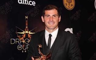 Iker Casillas vence Dragão de Ouro para Atleta do Ano
