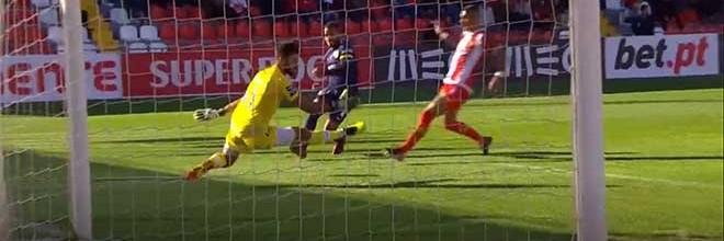 André Ferreira estreia-se na Primeira Liga com defesa arrojada – CD Aves 1-2 CD Santa Clara