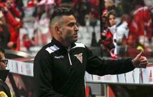 Artur Moraes encerra carreira de guarda-redes aos 37 anos