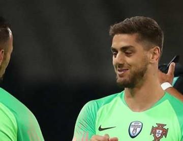 """Beto Pimparel e a estreia de Cláudio Ramos por Portugal: """"Lutava as lutas que estás a lutar"""""""