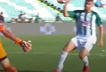Jhonatan Luiz destaca-se em duas defesas no Vitória FC 3-0 Moreirense FC