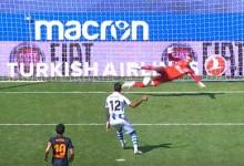 Neto Murara defende penalti no Real Sociedad 0-1 Valencia CF