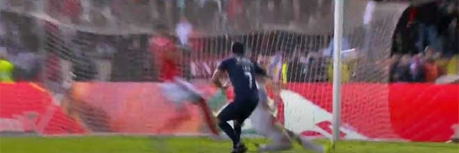Odisseas Vlachodimos defende duas vezes entre penalti cometido – Os Belenenses 2-0 SL Benfica