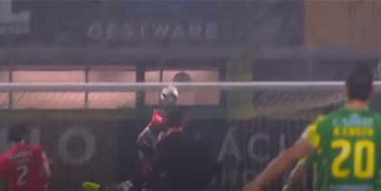 Odisseas Vlachodimos voa em defesa vistosa – CD Tondela 1-3 SL Benfica