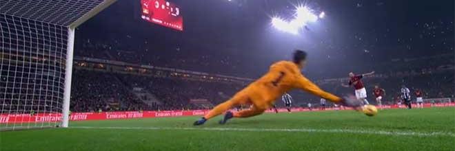 Wojciech Szczesny aponta para o lado e defende penalti – AC Milan 0-2 Juventus FC