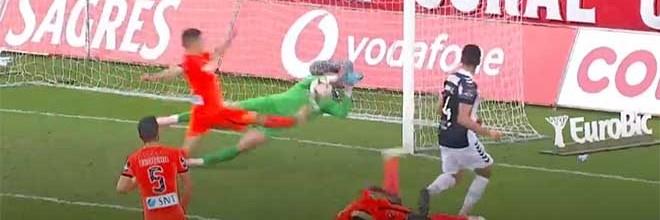 Helton Leite fecha a baliza em dupla-defesa após outras intervenções – CD Nacional 0-0 Boavista FC