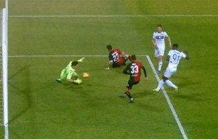 Alessio Cragno aparece em várias defesas antes de sofrer – Cagliari 0-2 Atalanta