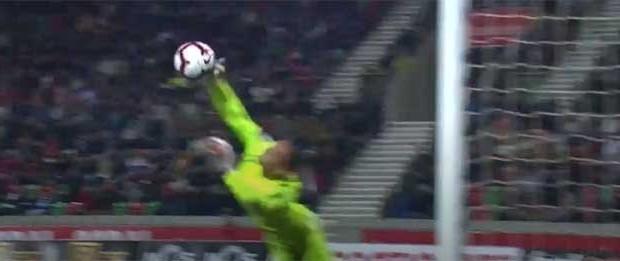 Charles Marcelo possibilita vitória em várias defesas espetaculares – CS Marítimo 2-1 Portimonense SC